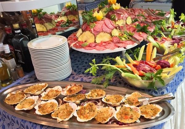 Buffet Di Insalate Miste : Hotel gabicce mare con specialità di pesce e cucina tipica romagnola